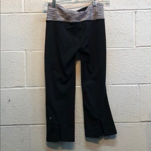 lululemon athletica Pants - Lululemon black capris size 4 61710